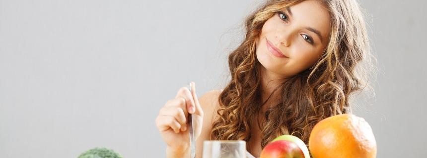 Chica comer fiestas